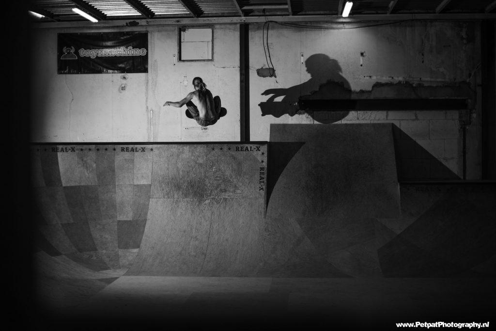 Skateboardwedstrijd 'Bowlbuster' in Real-X