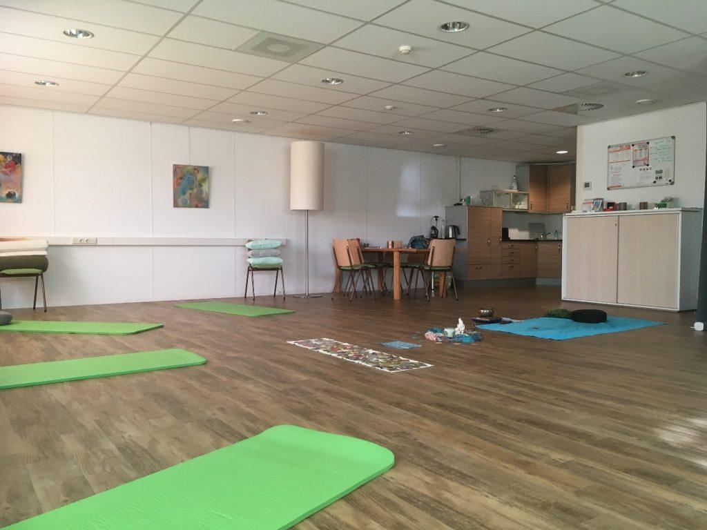 Gratis proefles Stoelyoga op 28 november bij Yoga on the Go