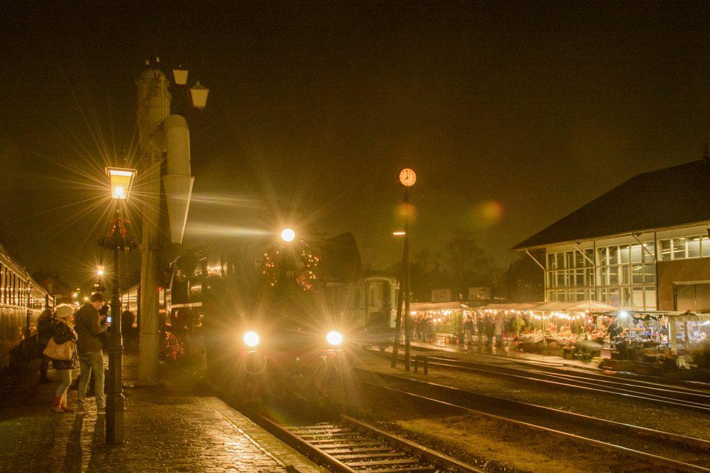 Sfeervolle Kerstmarkt Met Kerst Stoomtreinritten Apeldoorn Actueel