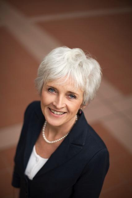 Jacqueline Cramer inspireert ondernemend Apeldoorn op Energiecafé in Acec op 29 januari