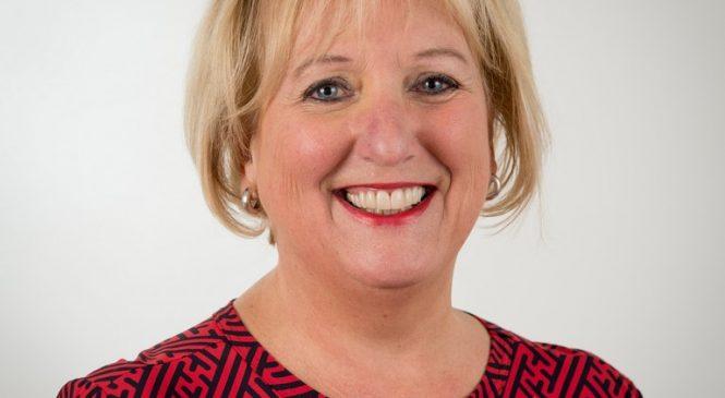 Afscheid Paula Donswijk van de gemeenteraad van Apeldoorn