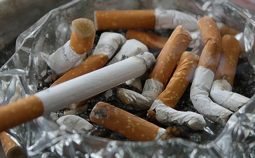 Rokers gezocht die willen stoppen met roken voor onderzoek