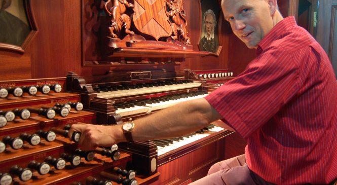 Maandag 22 juli zal Evert van de Veen op het orgel van Beekbergen spelen