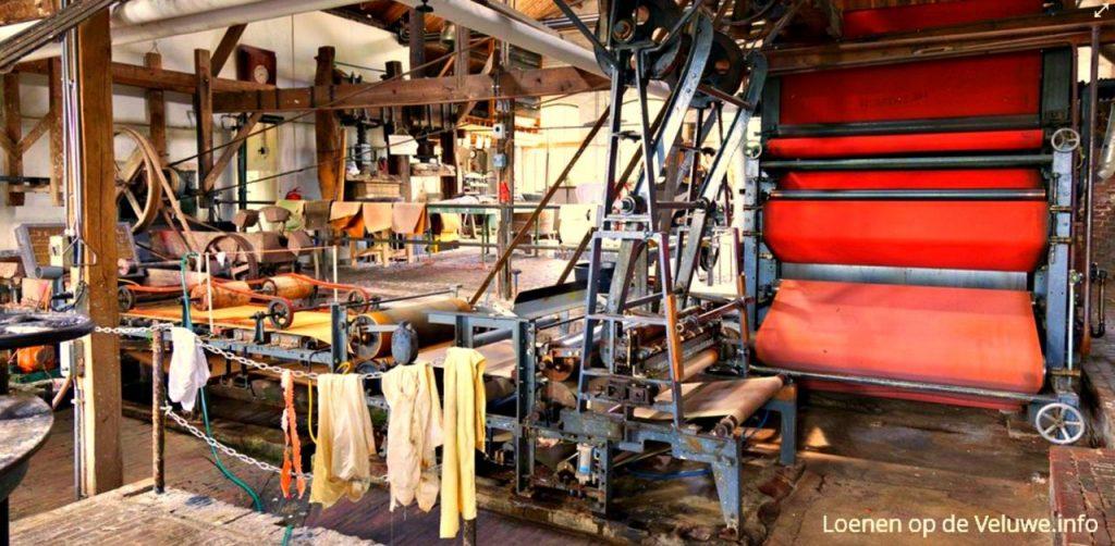 De Middelste Molen biedt workshop papierscheppen in CODA