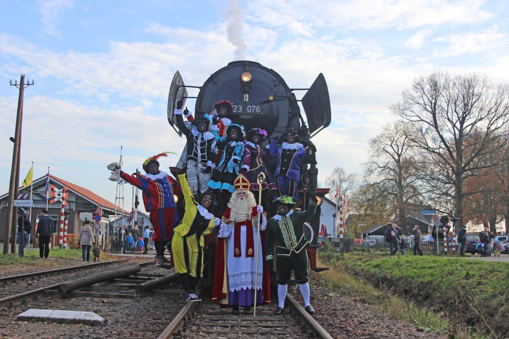 """""""Ontmoet Sinterklaas in de echte stoomtrein"""""""