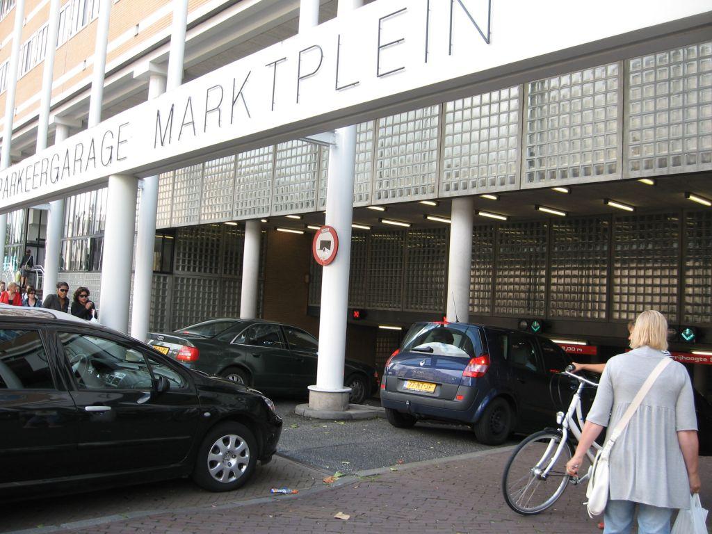 Centrummanagement organiseert ludieke actie en betaalt parkeerkosten van bezoeker binnenstad
