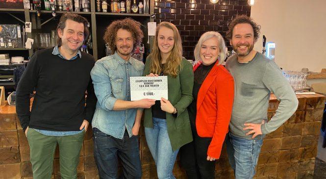 Kerstbomenactie Leienplein levert € 1.780,- op voor ASK Theater