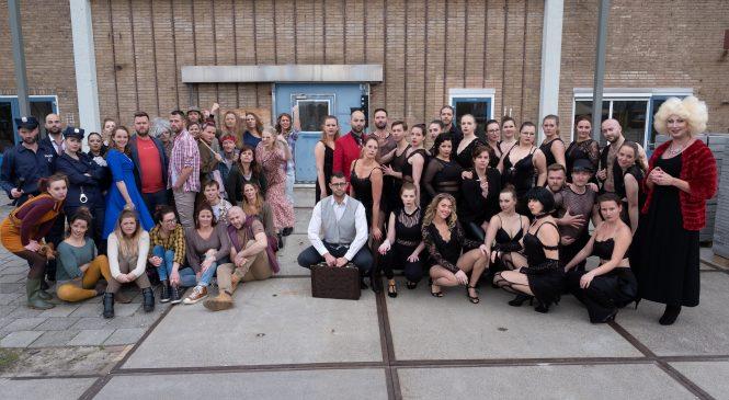 Musicalgroep Colours brengt uniek theaterconcept Showpiss in de Deventer Schouwburg