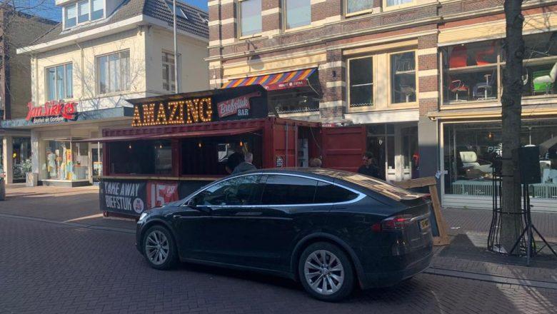 Primeur voor Amazing BiefstukBar: IJs van Co in de drive thru!
