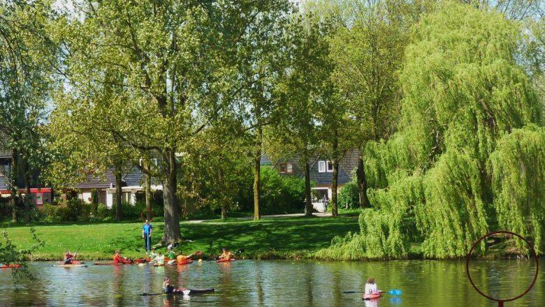 Zomerse wandeling door diverse parken van Apeldoorn