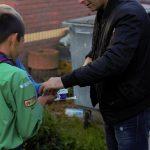 Scouts verkopen pepermunt voor groepszomerkamp 2021 in Rotterdam