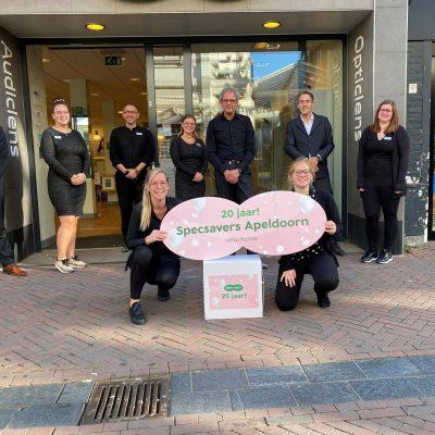 Specsavers Apeldoorn viert twintig jaar oog- en hoorzorg