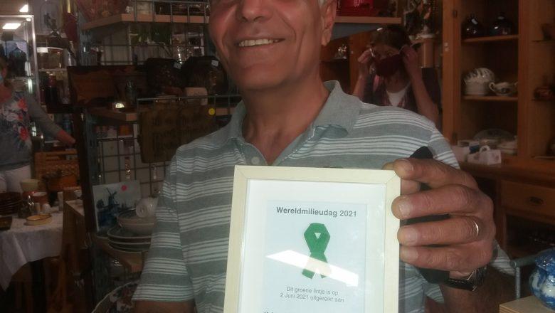 Kringloopwinkel De Hofstad ontvangt groen lintje